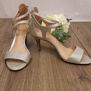 Kelly & Katie Silver Glitter sz 8  strappy heels